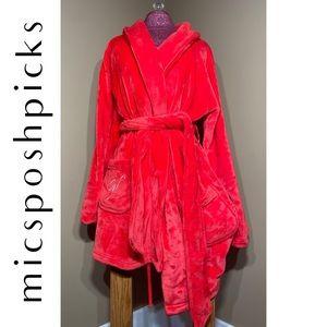 NWOT Victoria's Secret Plush Robe